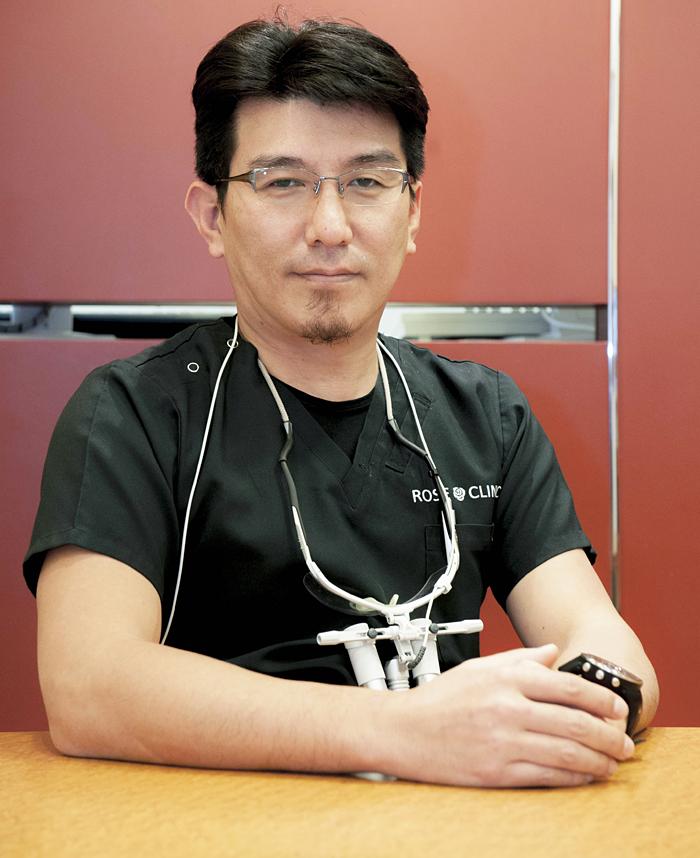 新井 寿欧 歯科医師 ROSE CLINIC ローズクリニック 院長